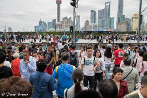Crowding at the Bund Shanghai